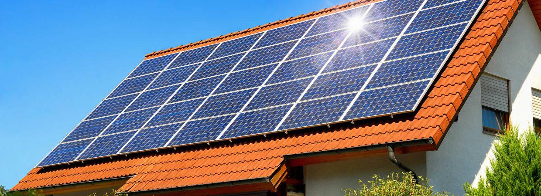 Solaranlage Auf Einfamilienhaus